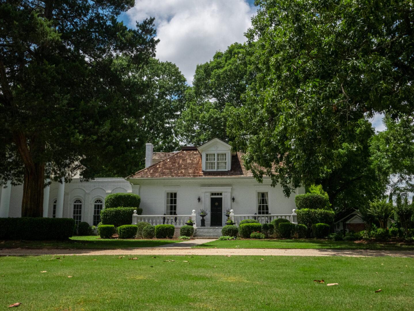 Entrance to manor inSerenata Farm in Madison, GA