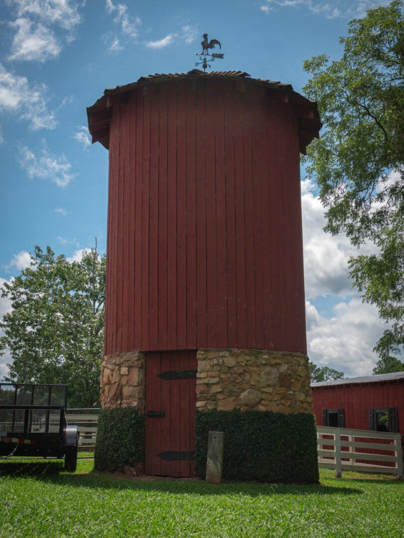Farm building inSerenata Farm in Madison, GA